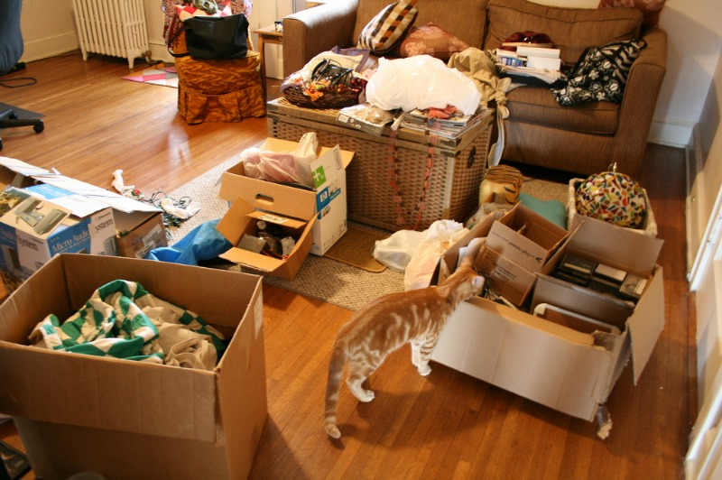 Tidy Home Tidy Mind Declutter Your Way To Happiness Today cluttered room