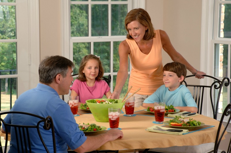 family health eat dinner together
