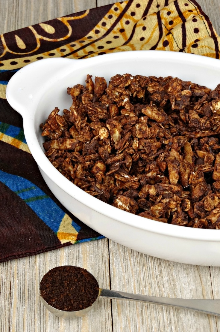 With a hint of dark chocolate, rich coffee undertones and sweet almonds, honey and vanilla, these crunchy clusters of Mocha Granola pack an irresistible punch!