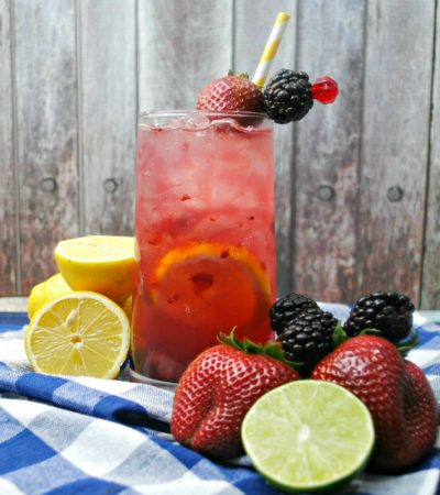 Berry Smash Lemonade – Fruity Adult Lemonade