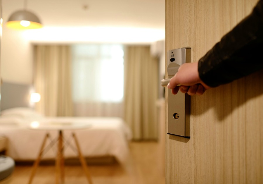 Keeping Your Family Safe While on Vacation lodging