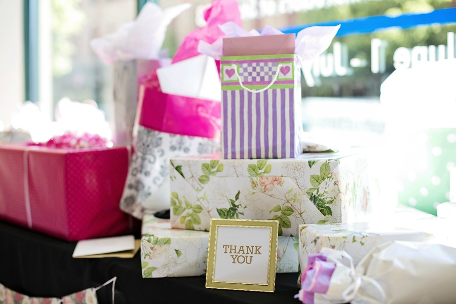 How to Choose the Perfect Wedding Gift