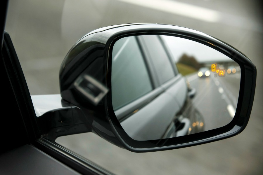 choosing cars for college students premium safety features