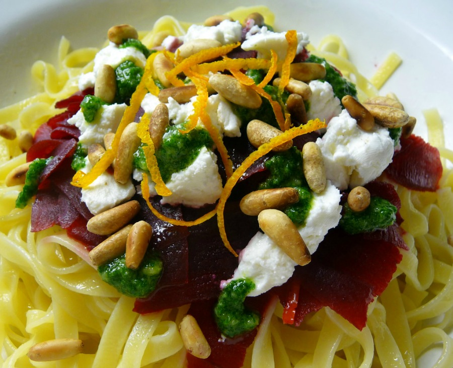 delicious Recipes Using Fresh Herbs Spaghetti with parsley pesto