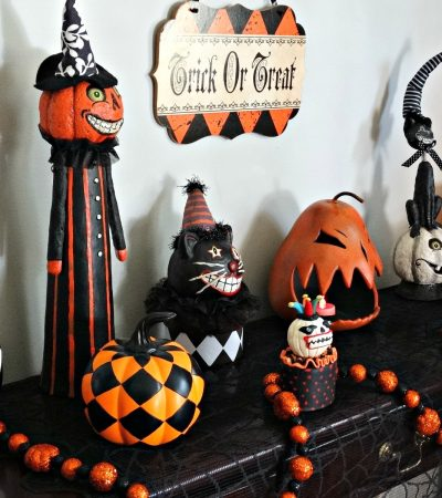 Halloween Tablescape – A Haunted Harlequin Halloween