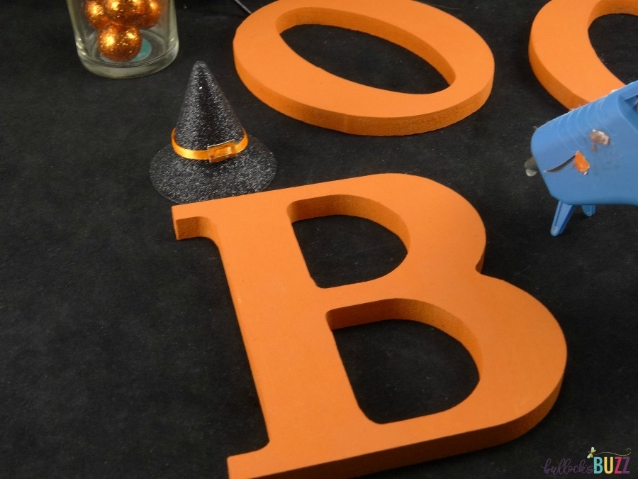 Halloween Wreath tutorial add embellishments to painted letters