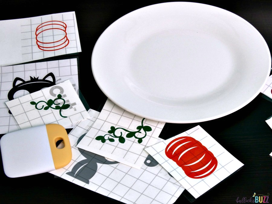 begin adding vinyl to plate DIY Cat Food Plate Purina Muse