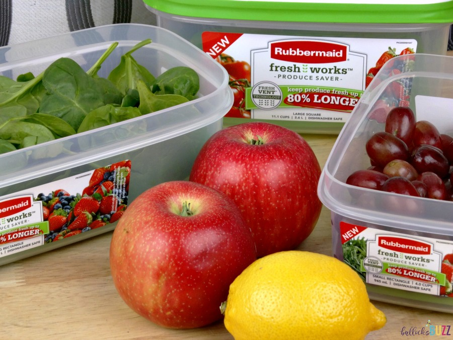 spinach and grapes in Rubbermaid containers