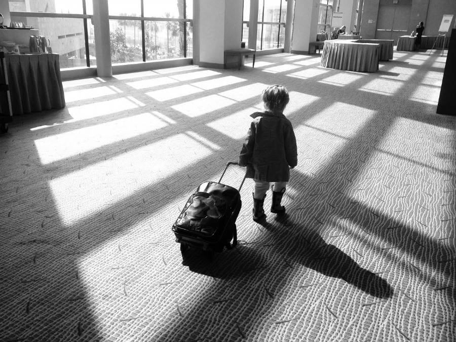 Flying With Small Children? Plan for Success With These Simple Tips