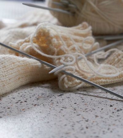 How Do I Knit If I'm Left Handed? Simple Tips for a Left-Handed Knitter