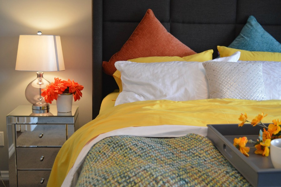 How to choose the perfect bedding set for your room