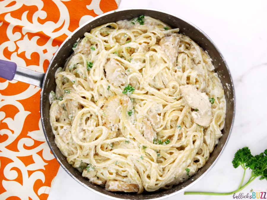A few simple steps to make Chicken Fettuccine Alfredo with Homemade Alfredo Sauce