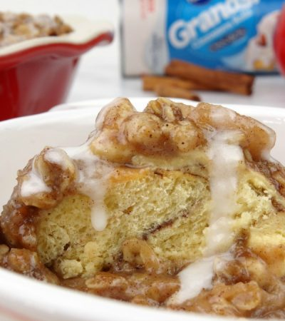 Cinnamon Roll Apple Crumble – A Delightfully Delicious Dessert!