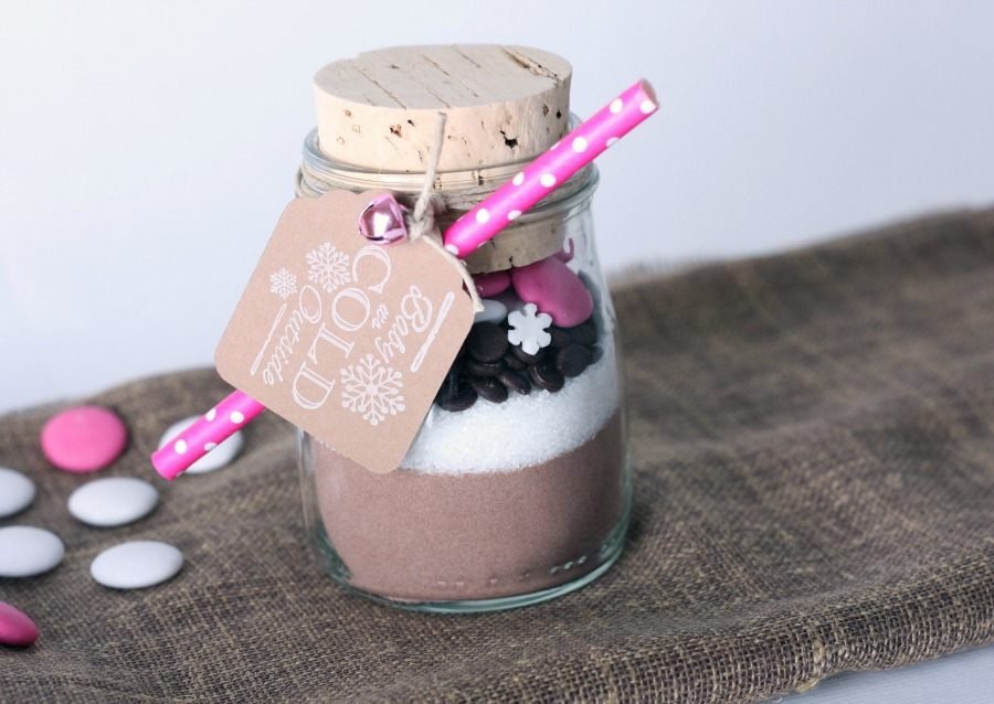 food in a jar makes fun food gifts
