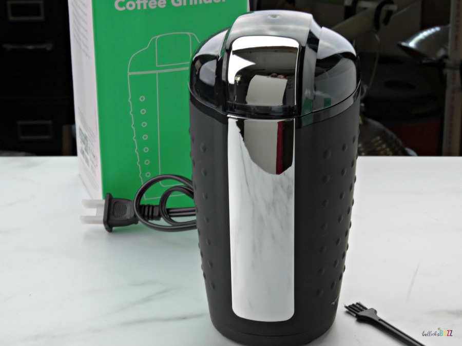Vremi coffee grinder with packaging