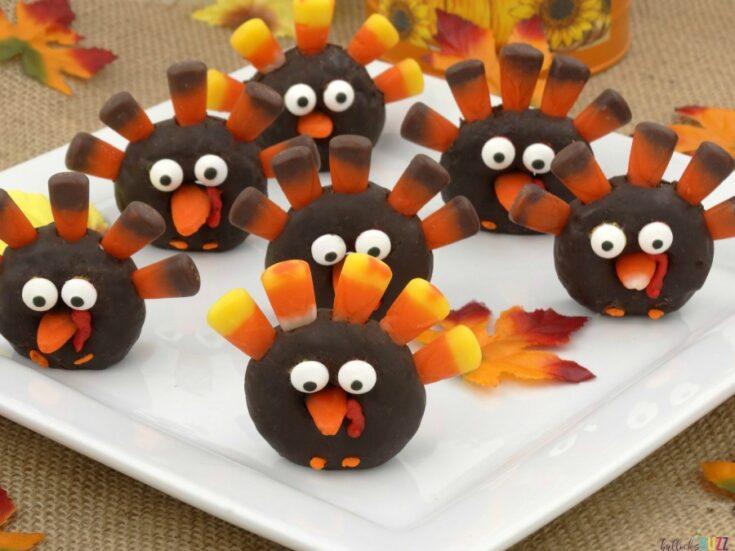 Mini Donut Turkeys - Easy Thanksgiving Turkey Treats