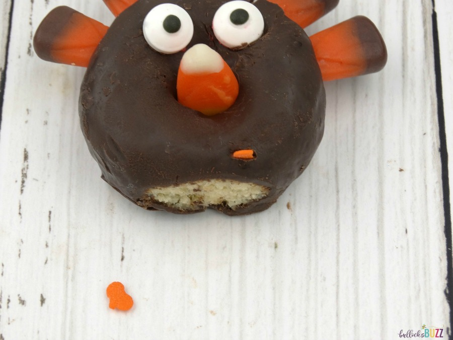 mini donut turkeys add sprinkle pumpkin for feet