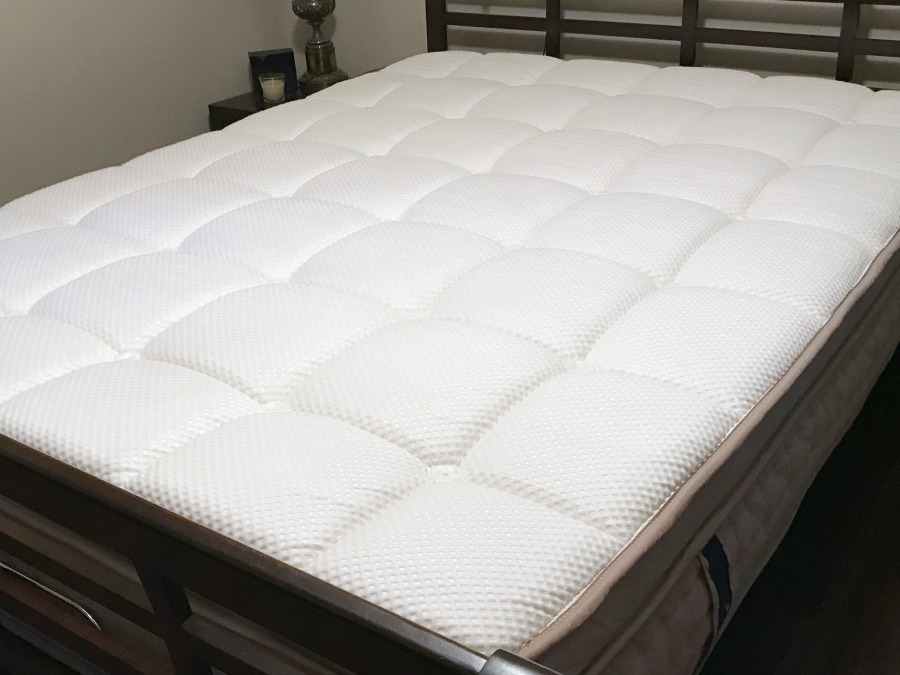dreamcloud mattress fully expanded