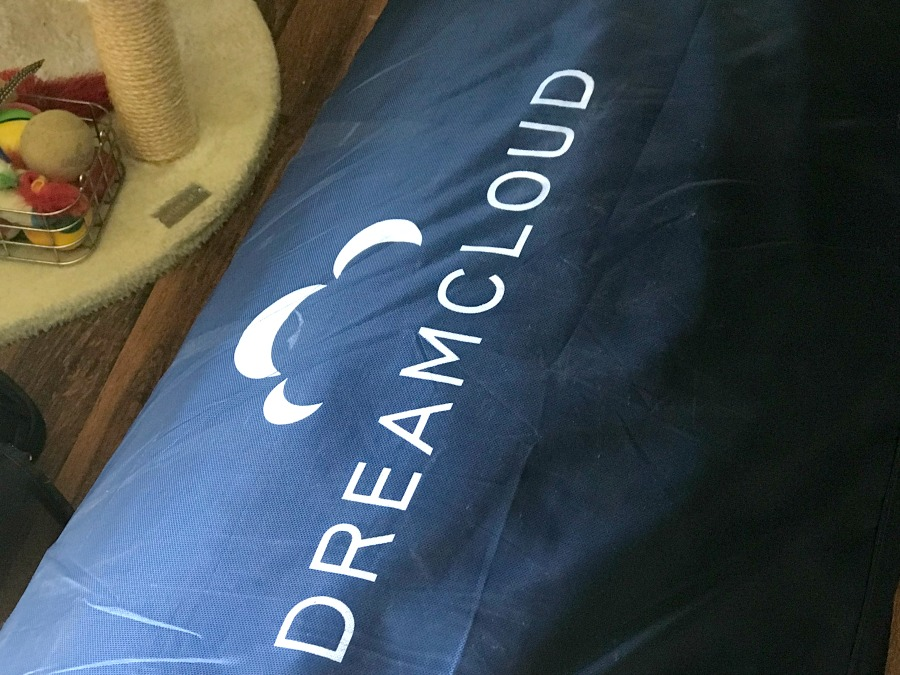 dreamcloud mattress review in package