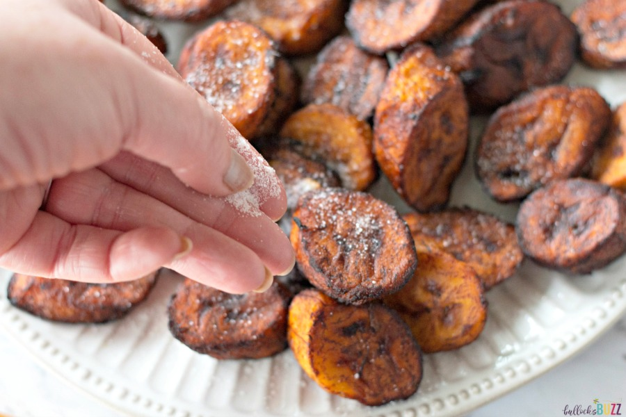 sprinkle finished Sweet Fried Plantains with sugar if desired