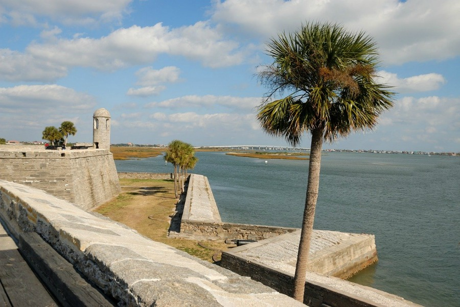 Florida travel tips visit castillo de san marcos