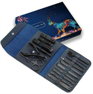 gift idea for men and women manicure set holiday gift guide