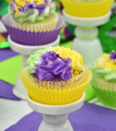 easy recipe for Mardi Gras cupcakes