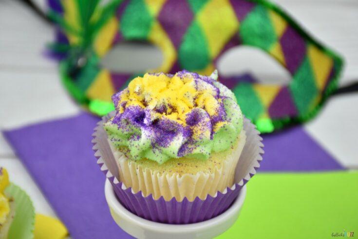 vanilla cupcakes Mardi Gras