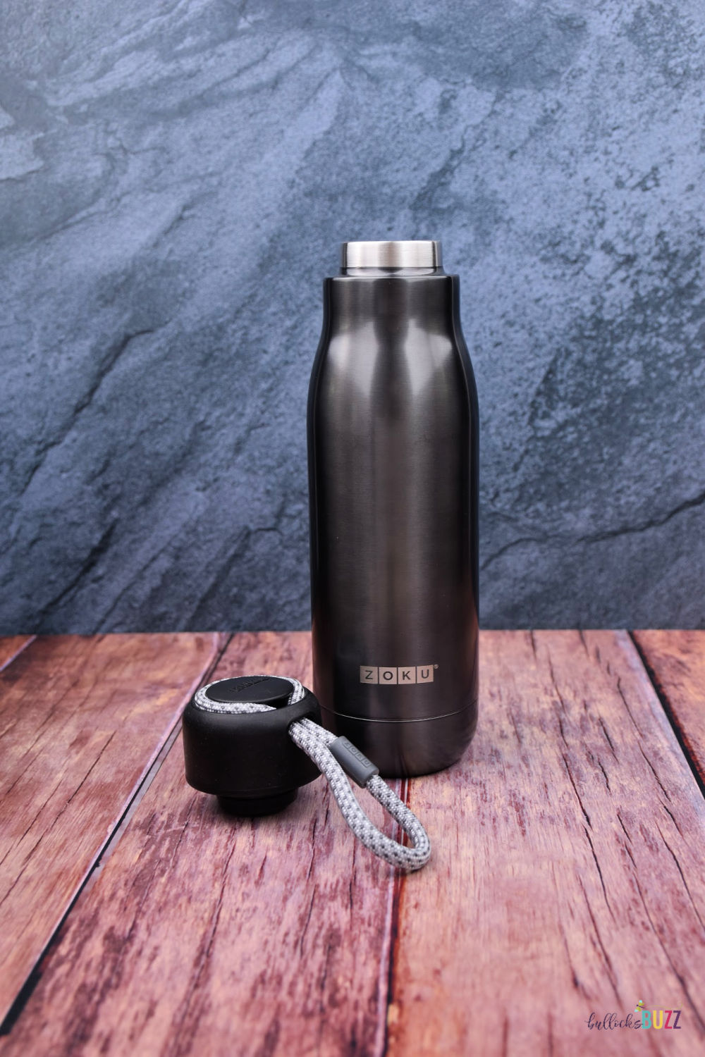 The best water bottles should be convenient, functional, and safe from harmful chemicals., just like this Zoku Stainless Steel Water Bottle.