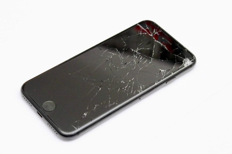 cracked screen in need of smartphone repair