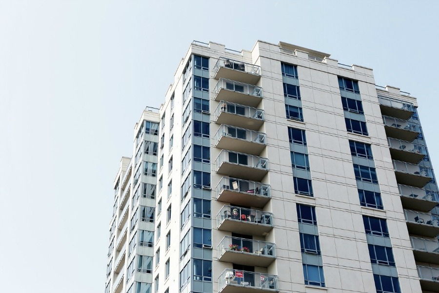 becoming a successful apartment property manager