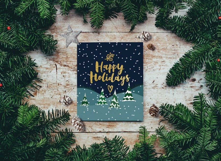 why its a good idea to use holiday card templates