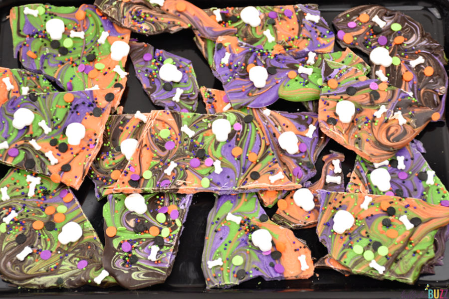 Halloween recipe for swirled candy bark