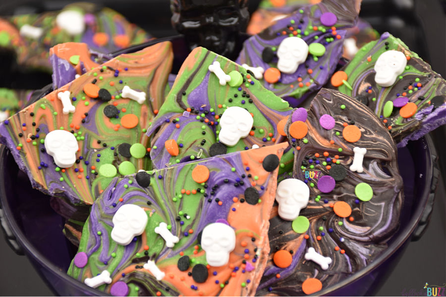 cute Halloween candy bark recipe