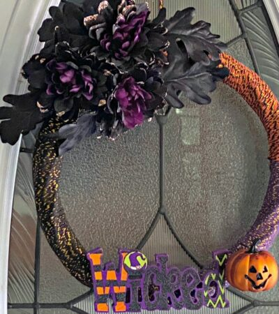 easy DIY Halloween Wreath idea using Dollar Tree supplies