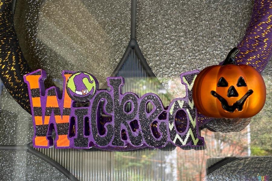 close up of DIY Halloween wreath idea