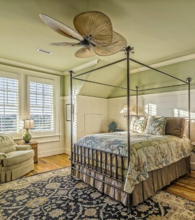 when getting ready for company use these tips to create a welcoming guest bedroom like the one in this picture