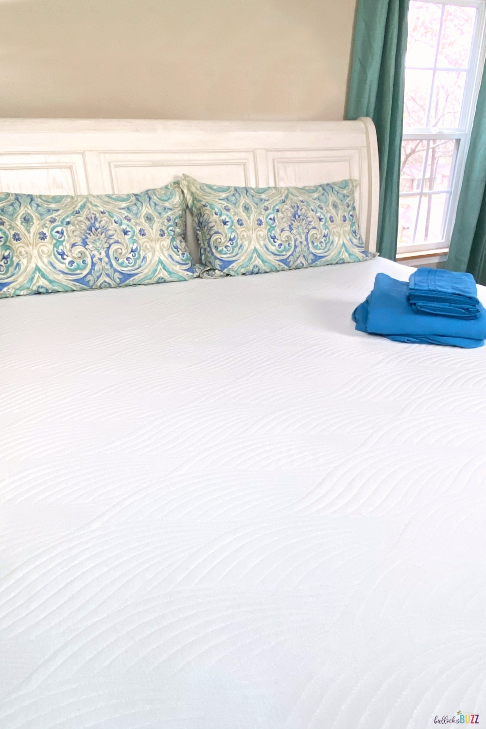 Sleep better with the ultra soft and plush Nest Bedding Cooling Mattress Topper