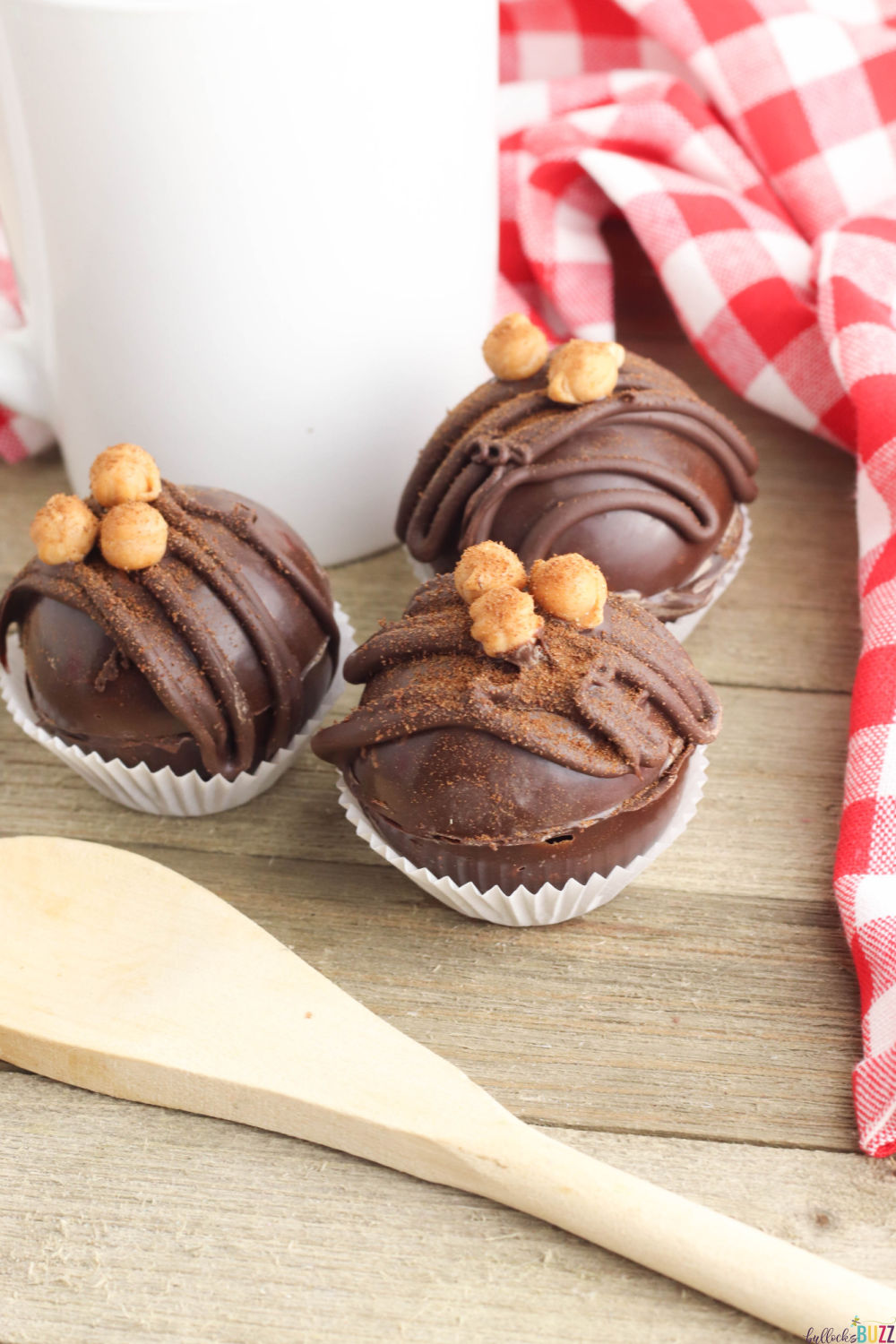 This delectable Caramel Mocha Coffee Bomb recipe is made with delicious chocolate, espresso mix, and caramel for a scrumptiously warm and delicious drink. #coffeebomb #espressobomb #recipes #caramelmocha #coffee