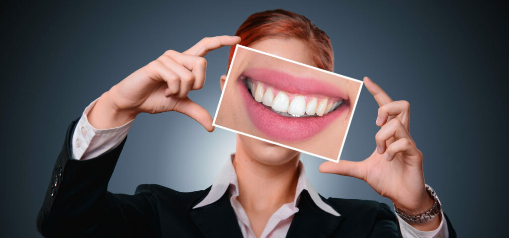 a beautiful smile like this shows why retainers are important after braces are removed