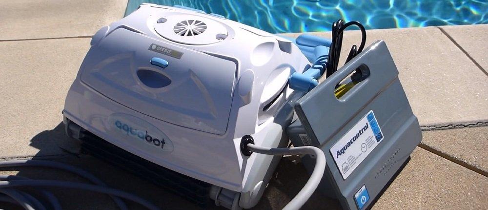 Aquabot Breeze IQ beside pool