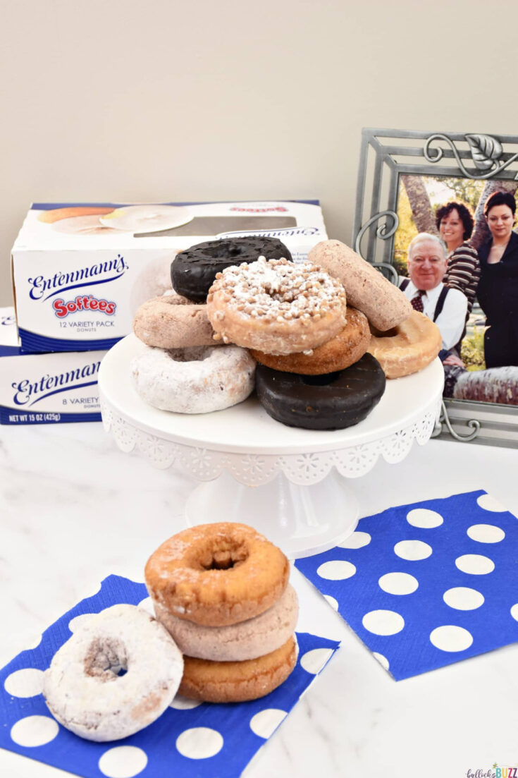 Celebrate Father's Day with Entenmann's EntenMAN of the Year contest, a giveaway, and some of their delicious donuts like the ones of this cake stand.