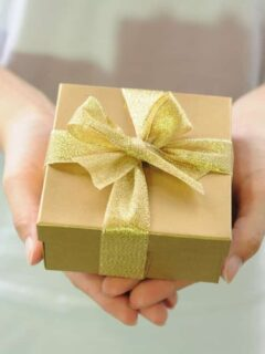 gift box and unique gift ideas for your best friend