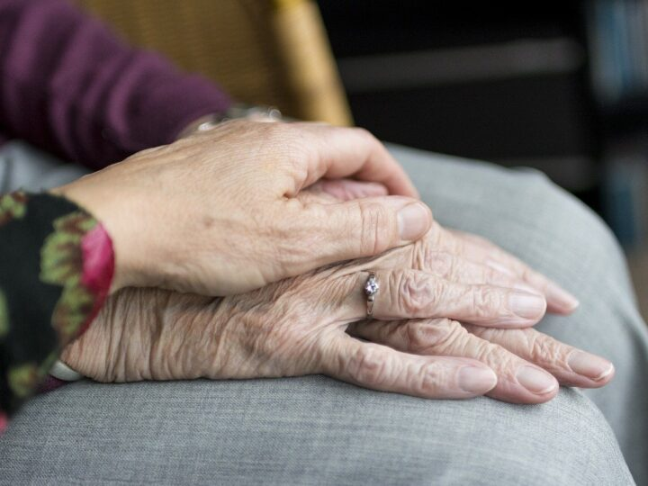 how can I pay for assisted living with little or no money?