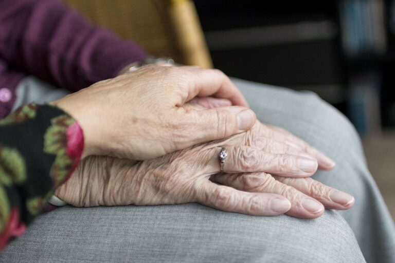 how can I pay for assisted living with little or no money